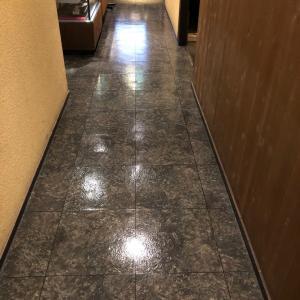 配管内高圧洗浄と床清掃