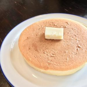 バターの風味香るこだわりの一品!カフェくるりのホットケーキ!
