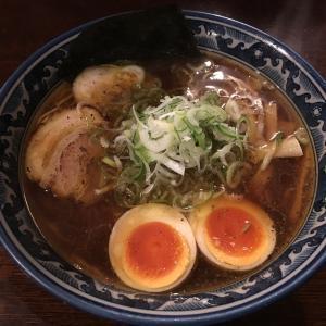 醤油ベースのスープが麺と絡み止まらない!麺屋しらかわの中華そば!