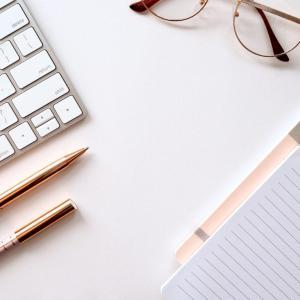 【副業】文系でもサイトやブログを運営して月に5万円稼ぐ方法
