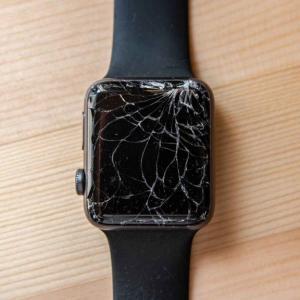 Apple Watchは割れるとこうなる! 割れた原因や修理料金、AppleCareについて