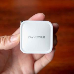 超小型・軽量の61W充電器「RAVPower USB-C」が素晴らしい。MacBook Proも充電できるハイパワー