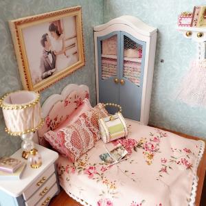 〈ドールハウス〉幸福シリーズキット Happy Moment ⑥ 小物と棚 ドレスとハンガー作り