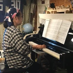 山小屋でジャズの生演奏!!