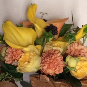 「枯れる花のメリット」と「枯れ無い花のデメリット」
