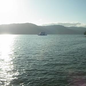 十和田湖で巨大焼き鮭?台風の余波でフェリー欠航のため日帰り旅行その1(青森県十和田市)