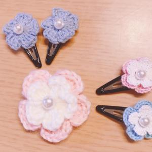 かぎ針で編むお花のパッチン留め