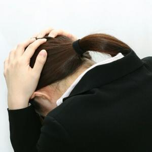 日雇い派遣のツラいところ!体調不良で当日仕事を休んだら登録抹消!?
