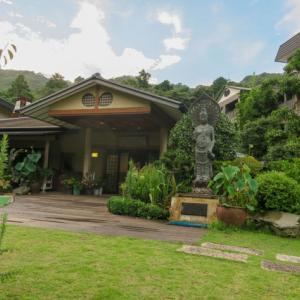 下田の高級温泉、観音温泉は日帰りでも楽しめる素敵なところ。泉質トゥルットゥルで飲泉もできるよ。