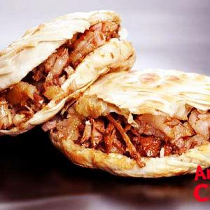 西安に行ったら必ず食べたい!中国版ケバブ「臘汁肉夾饃」