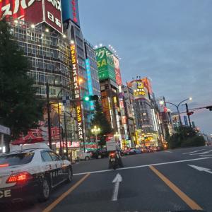 今話題の、あの「夜の街」は人が多くてビックリ(@_@)!ちょっと切ない韓国街お散歩も・・。
