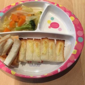 1歳ご飯&夜ご飯 練り物だらけの食卓ほか
