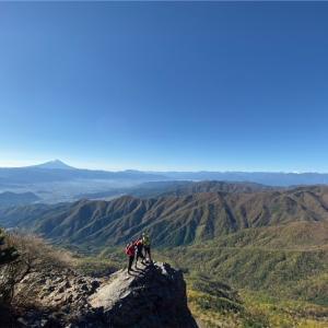 【ローカルトリップ】日本200名山 秋の乾徳山へハイキング