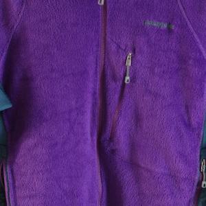 パタゴニアの定番フリース「R2ジャケット」は山でも街でも着られる名作です!