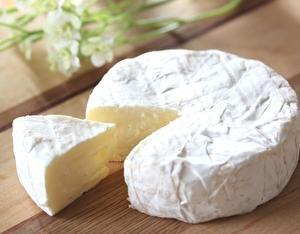 チーズを楽しむ!白カビチーズの特徴とおすすめな食べ方