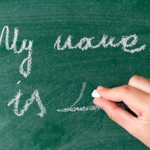 英語は名前→姓の順が正しい?実は『姓→名』表記もそこそこ使われます