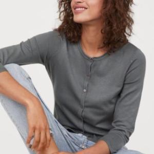 夏服にプラス1アイテムで秋らしい着こなしに「H&M ベーシックアイテムキャンペーン開催中」
