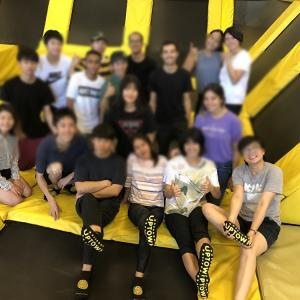 語学学校ってこんなとこ!卒業する仲間とオークランドのトランポリン施設でジャンプする(゚∀゚)