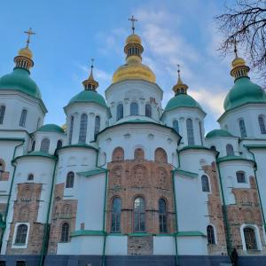 キエフの街ブラ、教会巡りと気味悪い公園!