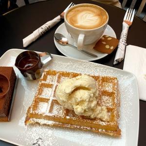 ブリュッセルの街ブラと念願のカフェ堪能♡