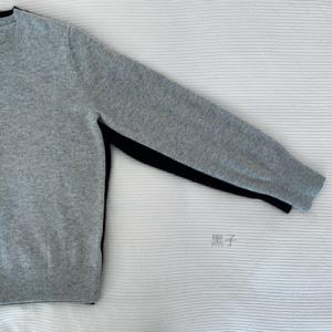 【ユニクロ】昨シーズン不評だった袖まわりが改善されてる。カシミヤセーター