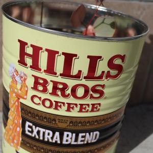 DIY:カルディで買ったコーヒー豆の特大缶を植木鉢にリメイク