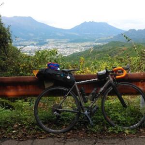 五反畑キャンプ場でBBQ … 二日酔い明けに南阿蘇中坂峠と清水峠を登る