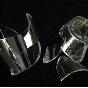 ガラスの破片を片付けてみたら
