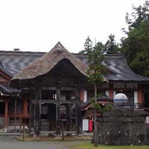 「羽黒山(三神合祭殿)境内」ついに出羽三山神社三神郷祭殿に到着です。(^_^)/