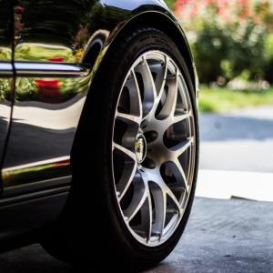 スタッドレスタイヤを安く購入する方法教えます!|約1万円得した話