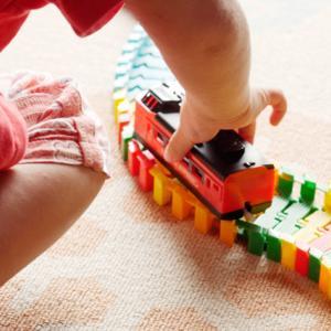 コロナ・休園などの影響で自宅保育に。子どもと一緒に室内遊び10選!