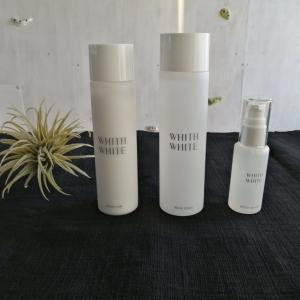 【WHITH WHITEセット】を使って肌を整えましょう!化粧水、美容液、乳液の3つがセットになったおすすめの基礎化粧品です!