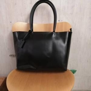ビジネスに【本皮トートバッグ】大容量で頑丈&シンプルなMURAのバッグ