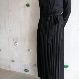 【脚長効果】プリーツスカートのシャツ風ワンピース