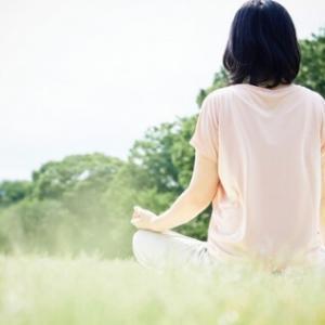 自律神経の乱れは【片頭痛】の原因のひとつ丨ストレスを解消、いい睡眠、セロトニンを摂取して乱れを整えよう