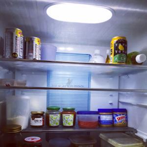 冷蔵庫がカランカラン