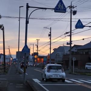 天候だけでなく日本中が暗くなる悲しみの一日に