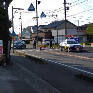 交通事故 自宅前の県道が3時間封鎖されて