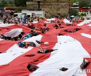 働きもせずに、デモに興じる愚民集団・・韓国