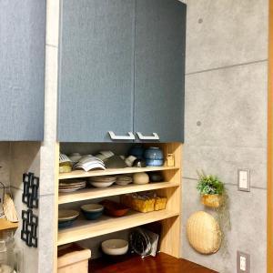 キッチンカウンターの天板がキッチンに合ってない(´;ω;`)