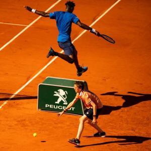 重力がないテニス