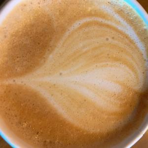 カフェラテ一杯で至福の時間