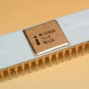 i8080A と 8085A の比較