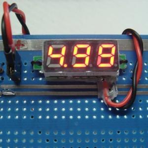 超小型デジタル電圧計(S1モジュールの応用)