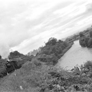 幌内線 三笠の幾春別川でD51367を撮る(2)