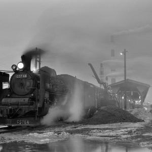 室蘭本線 苫小牧駅でC5744をバルブ撮影