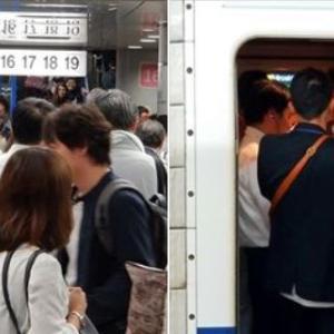 三連休前 + 明日計画運休 で、大混雑の新幹線 (^-^;