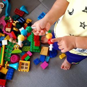 2才4か月(修正2才2か月)色の名前に興味を持ち始める