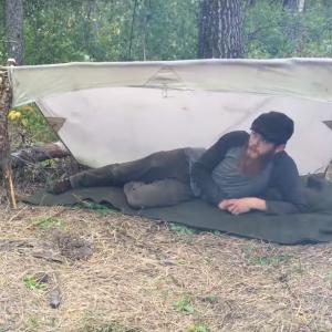 海外の人のブッシュクラフトキャンプが気になる……