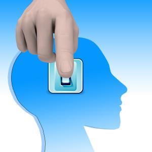 フリーランスは、営業とデザインと経理の3役こなす。